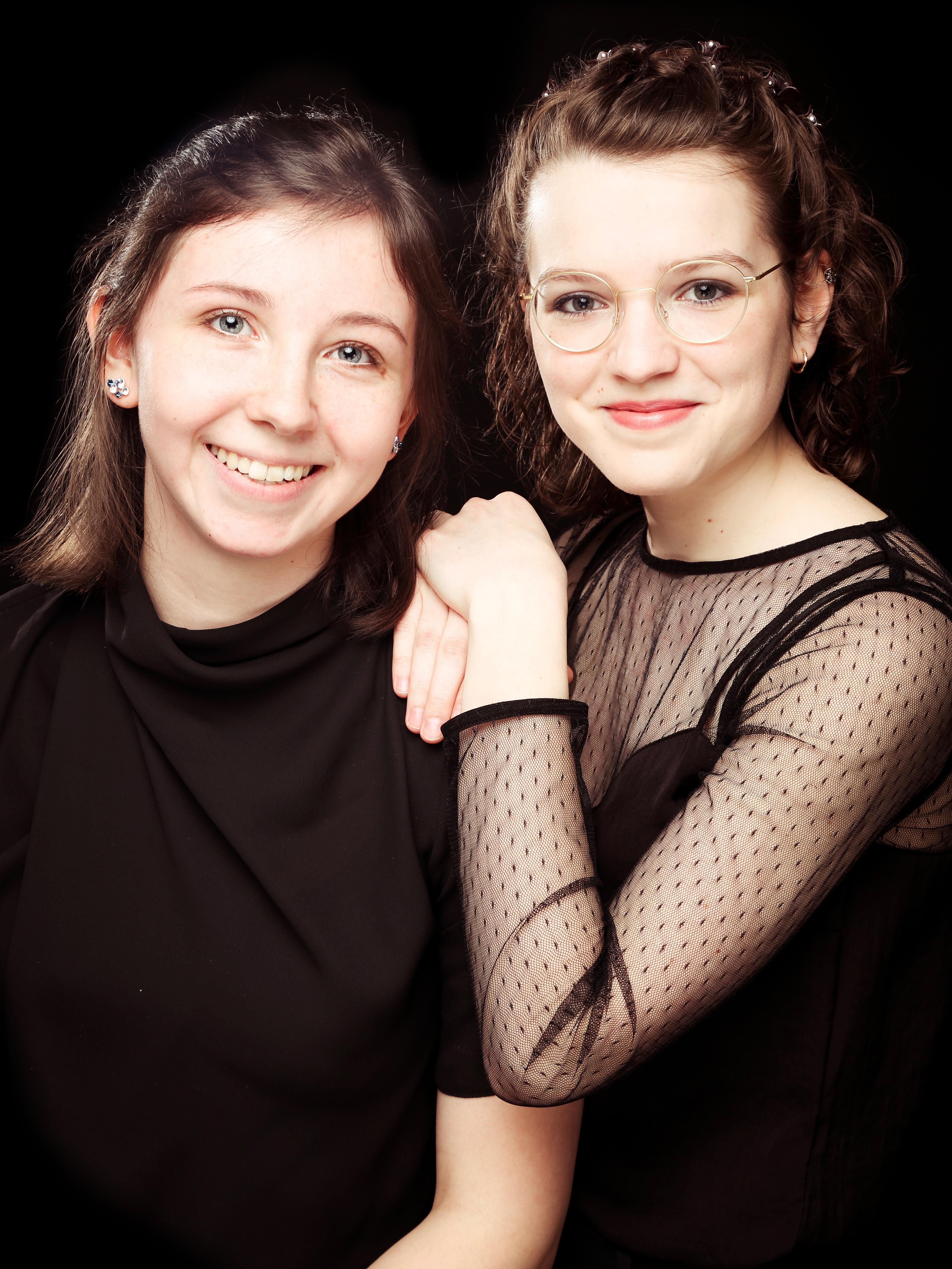 Lotte Nuria Adler (Mandoline) und Emma Schützmann (Gitarre) – AdlerSchützmann Duo